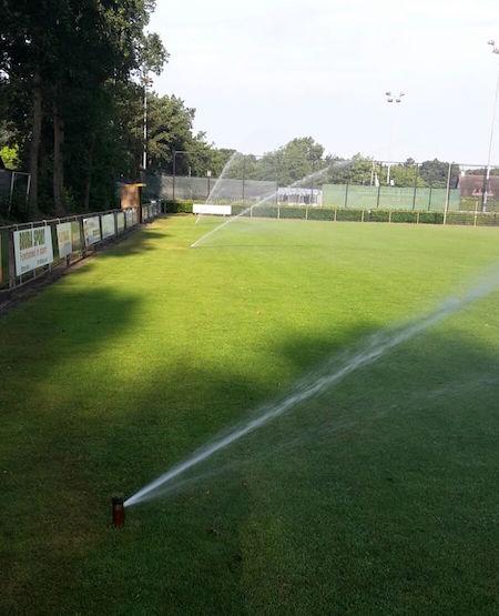 Beregening BBV BV vv Devo Bosschenhoofd voetbalveld